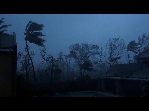 Ο τυφώνας Μάθιου σαρώνει την Καραϊβική