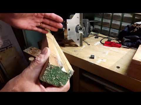 Come utilizzare la fresatrice verticale per fare scanalature e finiture nel legno