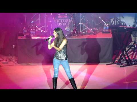 Victoria Justice -Beggin' On Your Knees (The Great Allentown Fair)