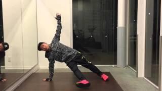 内転筋は体幹と連動させて鍛えよう!「サイドプランクアダクション」
