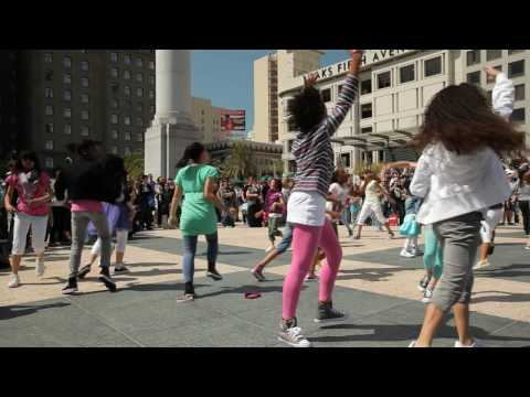 H&MのダンスバトルフラッシュモブがCOOL!!