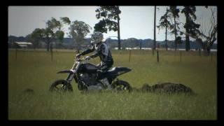 9. Kain Saul Backflips a XR1200 Harley Davidson to dirt