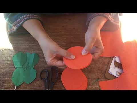 How to make tissue paper flowers for Day of the Dead.