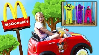 MCDONALDS Drive Thru Assistant Delivers Happy Meals Are Stolen...