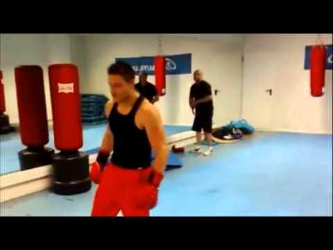 Chulito de gimnasio vs ex-campeón del mundo