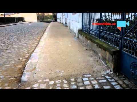 Chodník pod pískem nebo písek na chodníku ?2