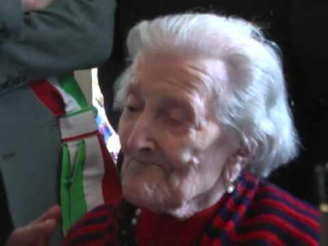 Video - Η γηραιότερη γυναίκα της Ευρώπης: Εκλεισε τα 116 και αποκαλύπτει το μυστικό της [εικόνες]