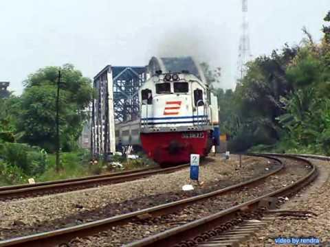 Kereta api : Twin Bridge