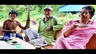 """Video Obrolan """"Bebas"""" Tukang Batu dengan Menteri Susi Pudjiastuti (Hanya Terjadi di Era Presiden Jokowi) MP3, 3GP, MP4, WEBM, AVI, FLV Agustus 2018"""