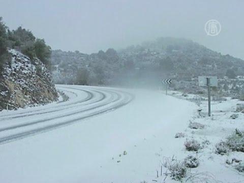 На севере Израиля - небывалый снегопад (новости) (видео)