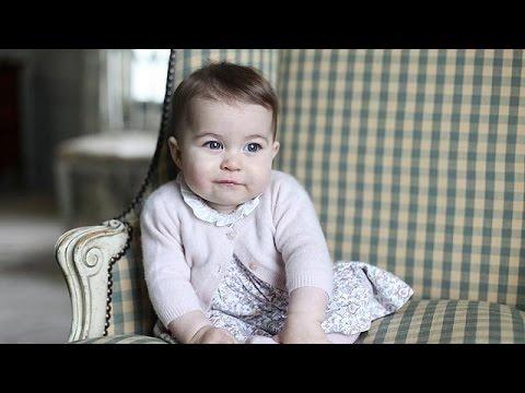 Βρετανία: Νέες φωτογραφίες της πριγκίπισσας Σάρλοτ