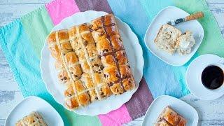 Hot cross buns (pão doce de Páscoa)