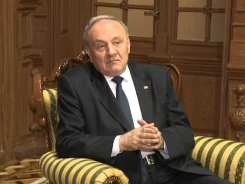 Moldovan president, British official approach EU integration