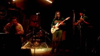 Video Ostrava 24.2.2018 Paapaa&Happy Shakers- Hajzlpapír