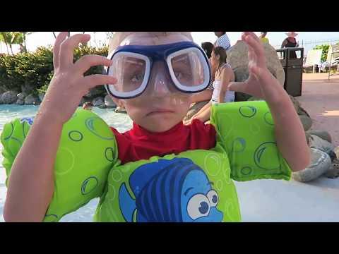 BOOB SLIP PRANK!! (видео)