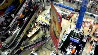 Shopping At Pratunam Market Bangkok - Sep 2010