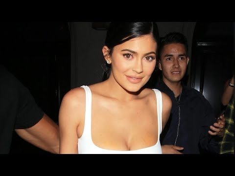 Kylie Jenner may soon beat Mark Zuckerberg as the youngest billionaire