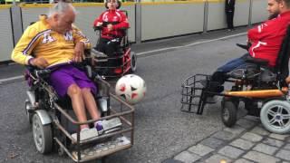 Video E-Rolli Fußball beim Streetlife Festival 2016 in Wien MP3, 3GP, MP4, WEBM, AVI, FLV November 2017