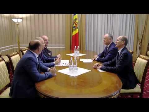 Игорь Додон провел встречу с делегацией из России во главе с Андреем Назаровым