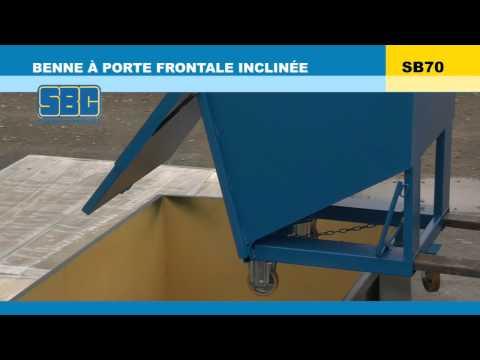 Video Youtube Benne à fond incliné et porte frontale - Capacité 590 à 1860 litres - Charge inférieure à 2000 kg