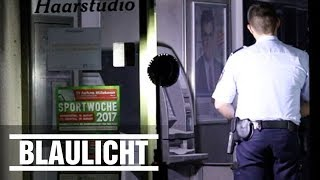 Geldautomat leergeräumt und kaputt, Scheibe zerschlagen – dennoch machten die Unbekannten in Troisdorf wohl keine Beute BILD jetzt abonnieren: http://on.bild.de/bild_abo