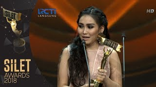 Video Ayu Ting-ting | Kontroversi Tersilet SILET AWARDS 2018 MP3, 3GP, MP4, WEBM, AVI, FLV November 2018