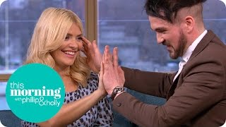 Video Colin Cloud Freaks Out Holly Willoughby After Mind Reading An Embarrassing Memory | This Morning MP3, 3GP, MP4, WEBM, AVI, FLV Januari 2019