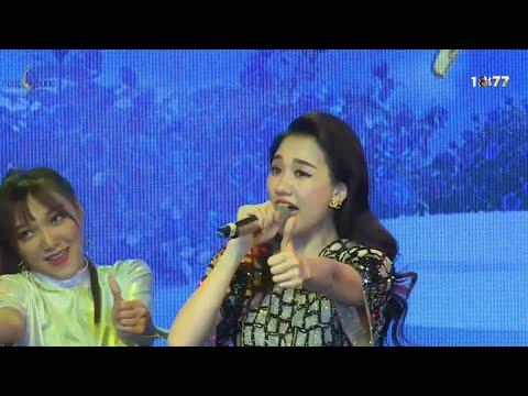 HARI WON [live] | Mashup Hương đêm bay xa, Love you hate you, Without you - Thời lượng: 4 phút, 39 giây.