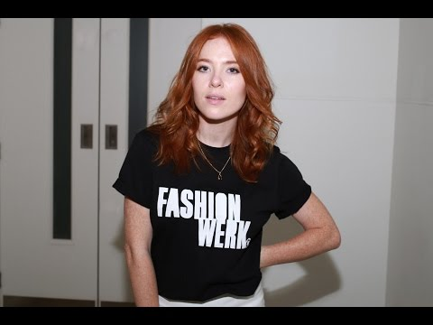 Angela Scanlon – Two minutes of fashion