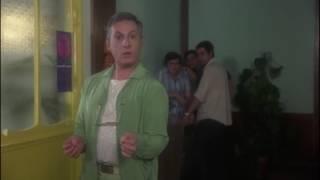 Video La cage aux folles (1978) - 8 - Essaie de marcher comme John Wayne MP3, 3GP, MP4, WEBM, AVI, FLV Juni 2017