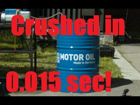 Oil Barrel IMPLOSION in Super Slow Motion (видео)