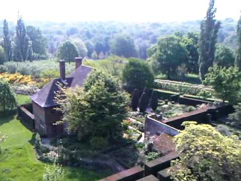 , title : 'Sissinghurst Castle Garden Tower View 2'