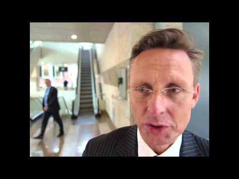 VVD-buitenlandwoordvoerder Han ten Broeke vindt het onverstandig dat Zweden van plan is Palestina als staat te erkennen.