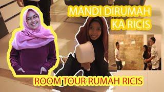 Video NUMPANG MANDI DI RUMAH RICIS?!! (ROOM TOUR RUMAH RICIS) MP3, 3GP, MP4, WEBM, AVI, FLV Juli 2019
