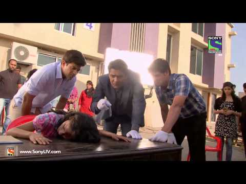 setindia - Ep 1063 - C.I.D.: Doctor who was forcefully kidnapped by Kidnappers to cure Daya reveals to Team CID that he was shot by one of the kidnappers. Taarika revea...