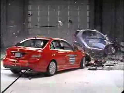 Mercedes-Benz C-class ercedes C300 VS Smart ForTwo - CRASH TEST