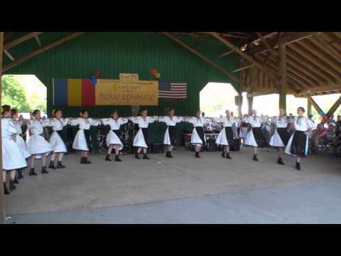 2010 Romania Picnic - Hora dance 1 : Tulnice & Braul de fete & Braul de la Fagaras