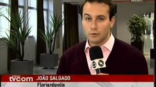 15/08/2013 - TVCOM - Jornal da TVCOM - 1ª Edição - Com a indústria produzindo menos e as importações em alta, quando o dólar sobe quase tudo sobe. Presidente...