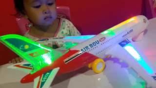 Video Mainan Pesawat Pesawatan ✈ Air Plane ✈ AIRBUS A380 💖 Let's Play Jessica & Jenica MP3, 3GP, MP4, WEBM, AVI, FLV Desember 2018