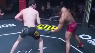 Bardzo szybkie gaszenie światła za pomocą pięty podczas MMA