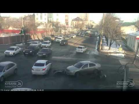 Авария со скутеристом в Краснодаре