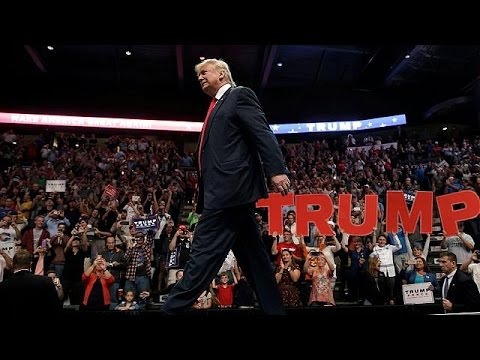 ΗΠΑ: «Στριμωγμένος» ο Ντόναλντ Τραμπ πέντε εβδομάδες πριν τις κάλπες
