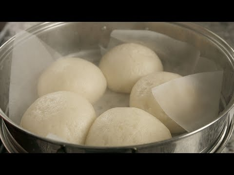 Fluffy Steamed Buns Filled With Sweet Red Beans (Jjinppang: 찐빵)