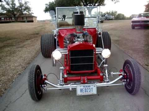 T-Bucket Ford Hot Rod & A Blonde