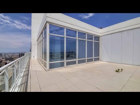 A 2-bedroom West Loop penthouse with a very spacious outdoor terrace