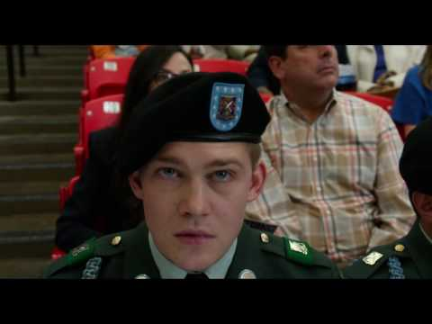 Billy Lynn's Long Halftime Walk (International Trailer 2)
