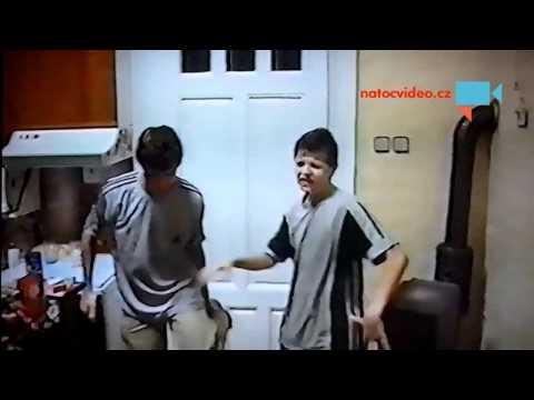 Jožin z bažin - karaoke v podání synovců