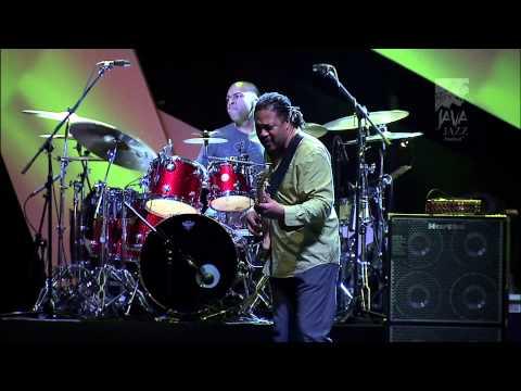 Herbie Hancock Java Jazz Festival 2012 trimmed peter Gontha