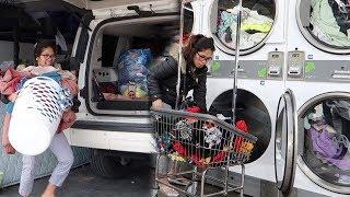 Video Ibu tentara mengungsi cuci baju - Mabuk -Tempat cuci baju di Amerika MP3, 3GP, MP4, WEBM, AVI, FLV April 2019
