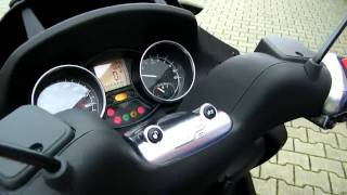 4. Piaggio MP3 500 LT Business-11 Roller/Scooter Anleitung 2011